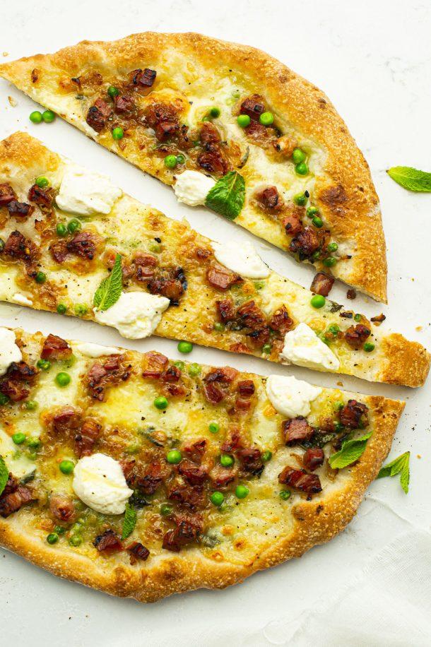 Pizza pancetta et pois verts