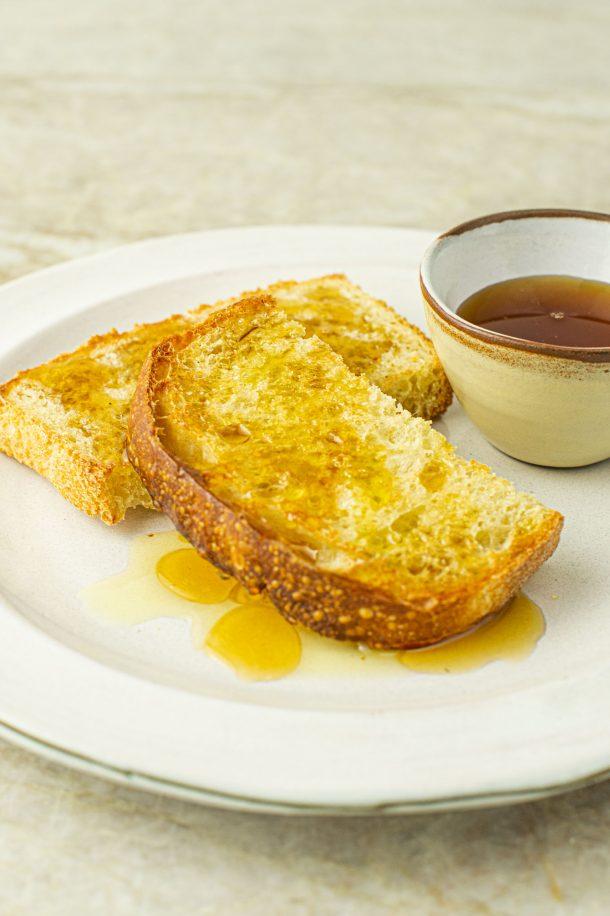 Tartine à l'huile d'olive et au sirop d'érable