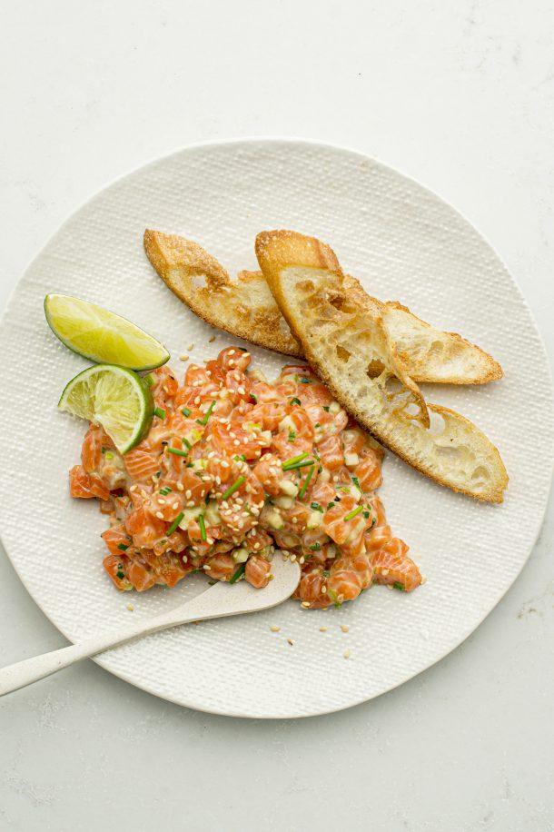 Tartare de saumon, pomme et concombre