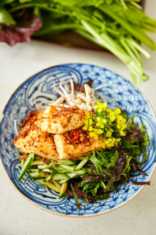 Vermicelles de riz au tofu et aux légumes