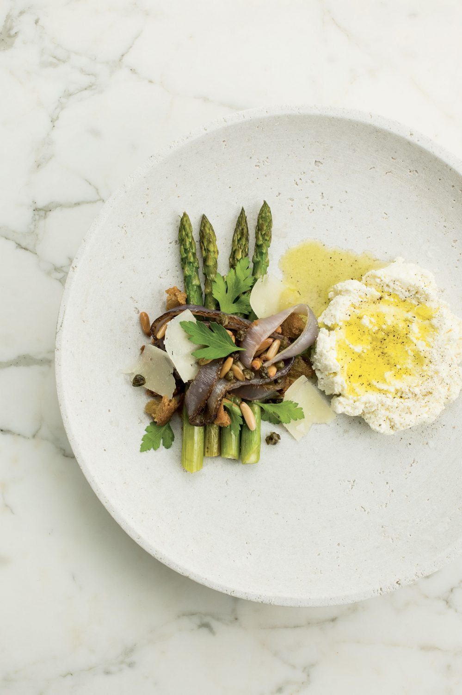 Ricotta et salade d'asperges rôties