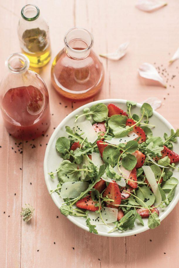 Salade du marché aux fraises du Québec