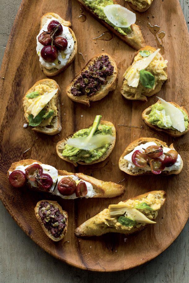 Tartinade de fromage et de raisins rôtis