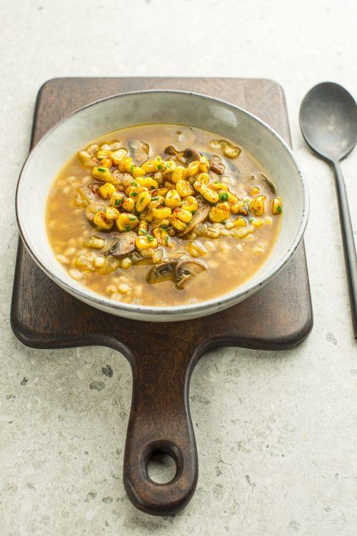 Soupe orge et champignons, maïs caramélisé de Dy