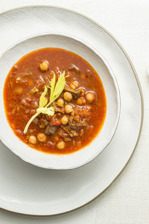 Soupe pois chiches, tomates et porcinis