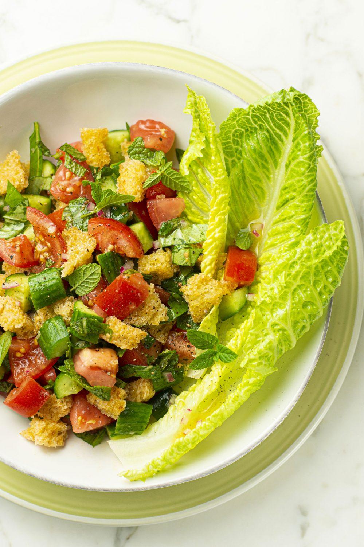 Panzanella – Salade de tomates, concombres et croûtons