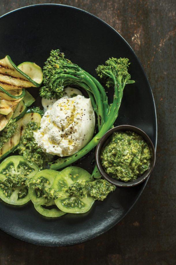 Légumes rôtis, fromage et salsa verde