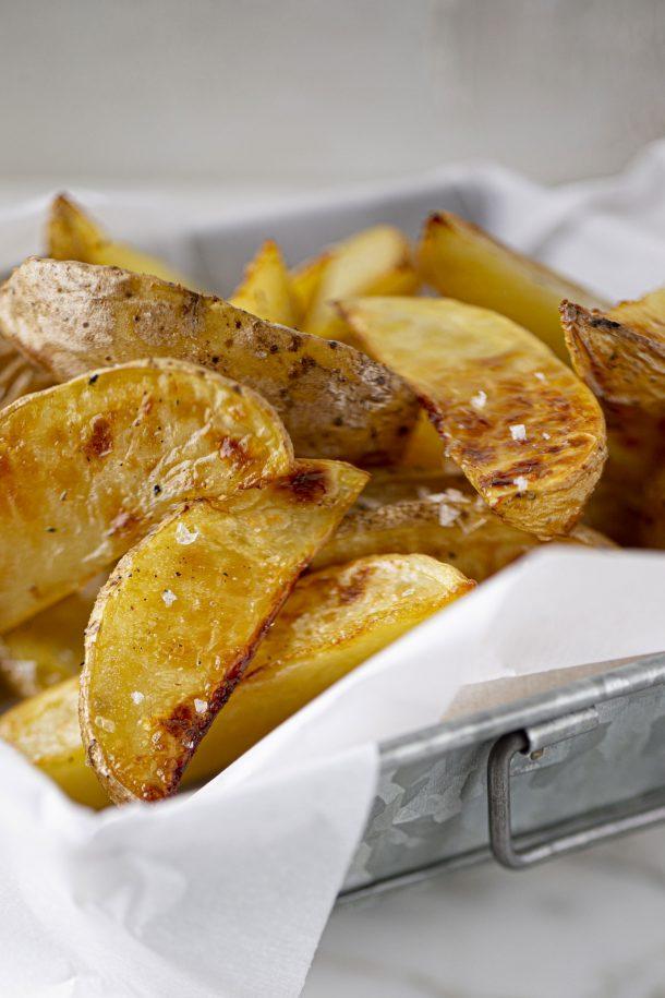 Pommes de terre rôties, vinaigre et sel