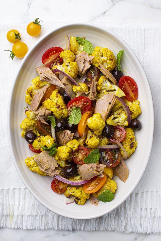 Salade de chou-fleur, tomates et thon